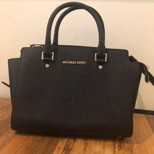 Michael Kors Black Bag  (Selma Medium)